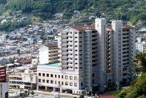安芸阿賀駅前複合建物